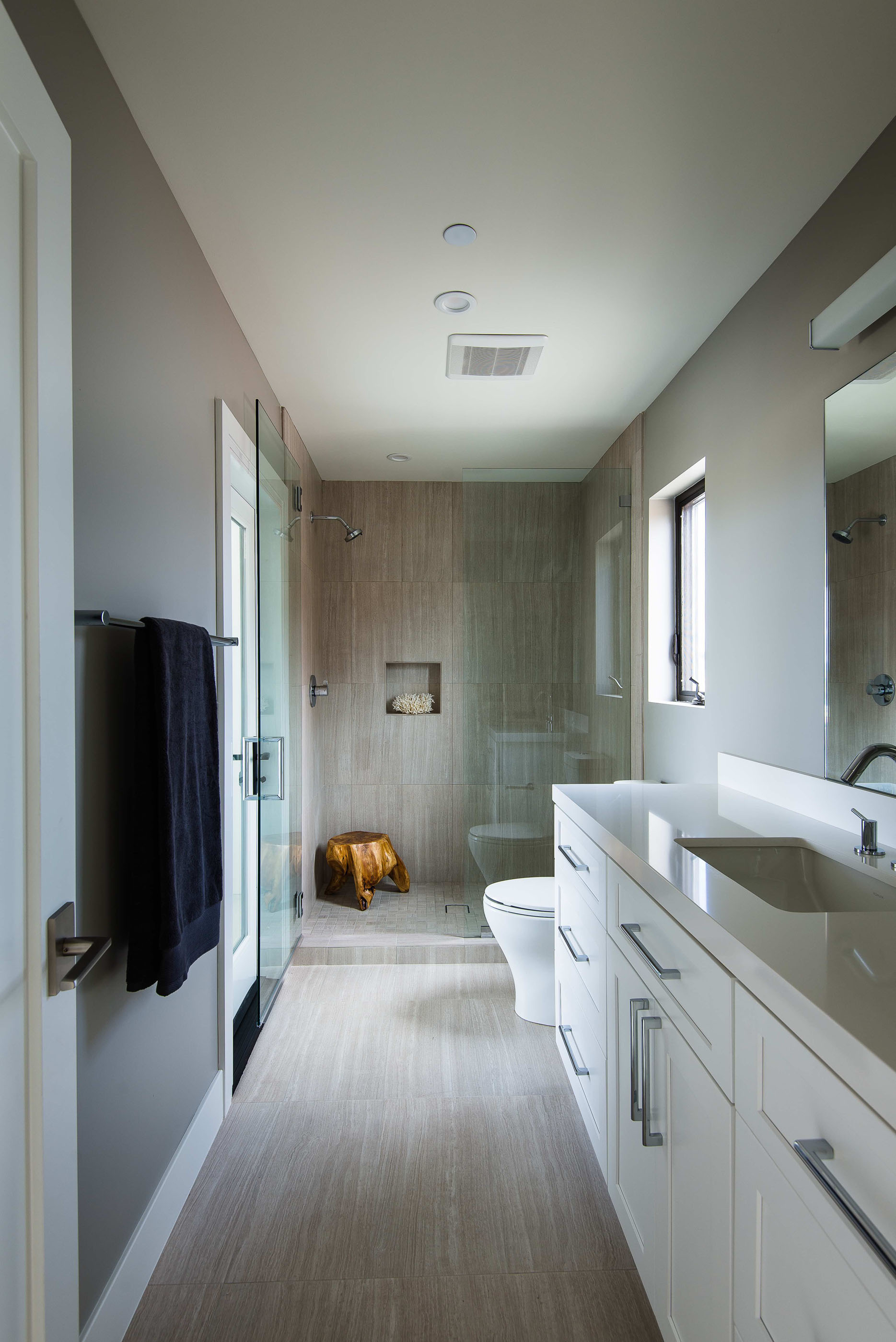 Modern Stone Bathroom Corona Del Mar Melissa Morgan Design 1