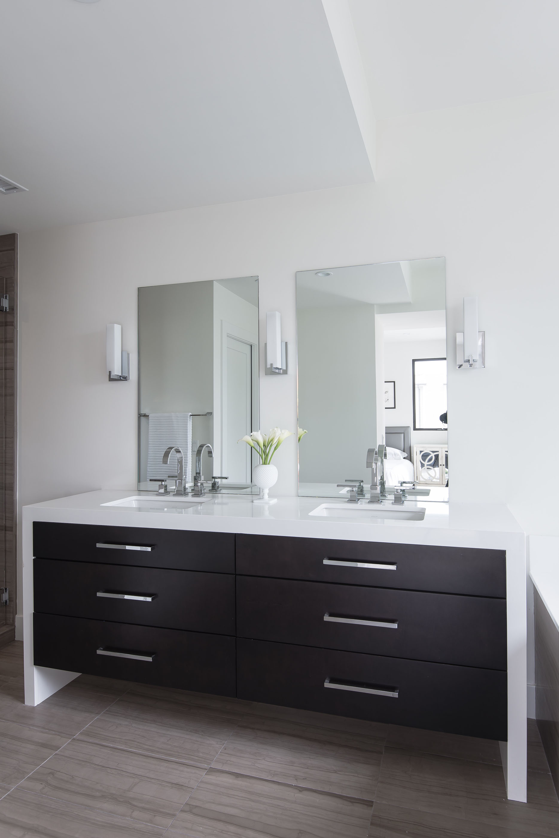 Contemporary White Bathroom Melissa Morgan Design